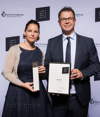 REN_1610_Iconic_Award_03